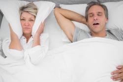 elderly_snoring_couple250