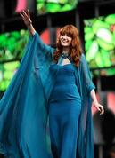 Florence_Welch_performing_in_2013-939625-edited.jpg