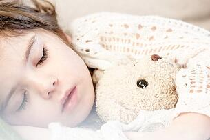 Children must have good sleep to be healthy.